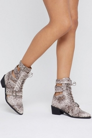 Nasty Gal Womens Beige Cut-Out to Something Snake
