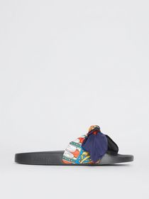 Burberry Archive Scarf Print Silk Bow Slides in Br