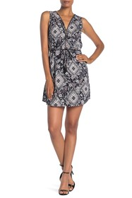 Papillon Zip V-Neck Paisley Print Dress