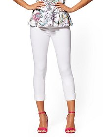 High-Waisted Pull-On Crop Pant - White - New York
