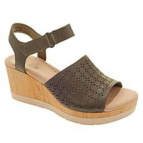 Collection by Clarks Cammy Glory Leather Wedge San