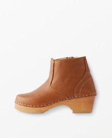 Hanna Andersson Boot Clogs By Hanna in Light Brown
