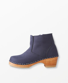 Hanna Andersson Boot Clogs By Hanna in Navy Suede