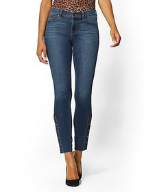 High-Waisted Button-Accent Super-Skinny Jeans - Ne