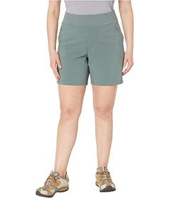 Columbia Plus Size Bryce Canyon™ Hybrid Shor