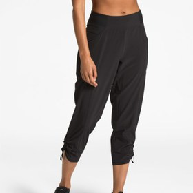 The North Face Let's Go Mid-Rise Crop Pants - Wome