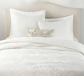 Pottery Barn Velvet Medallion Quilt & Shams - Clas