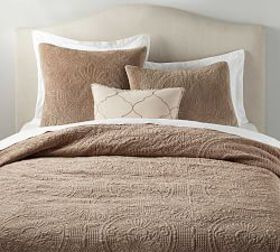 Pottery Barn Velvet Medallion Quilt & Shams - Sand