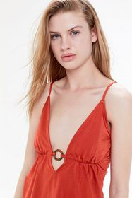 UO Jagger Plunging Ring-Front Cami