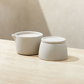 Crate Barrel Stacking Pinch and Pour Serving Bowls