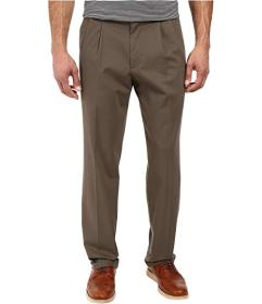 Dockers Signature Khaki D3 Classic Fit Pleated