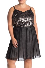 1.State Sequined V-Neck Tank Top (Plus Size)