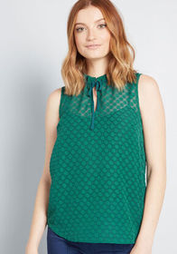 ModCloth Stylish Vision Tie-Neck Top in Green