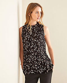 Petite Terra Floral Pleated Shell