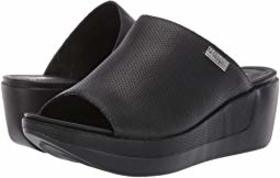 Kenneth Cole Reaction Pepea Slide Perf