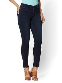 High-Waisted Curvy Super-Skinny Jeans - New York &