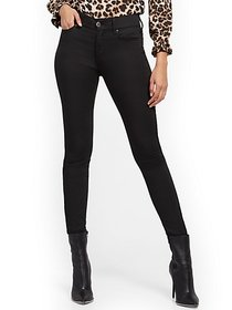 High-Waisted Shaping Super-Skinny Jeans - Black -