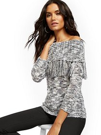 Fringed Off-The-Shoulder Sweater - New York & Comp