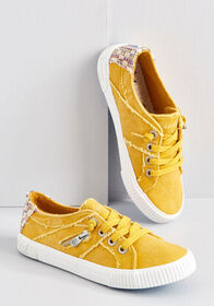 Blowfish Blowfish Cue the Comfort Canvas Sneaker M