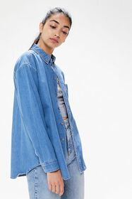 UO Chase Chambray Button-Down Shirt