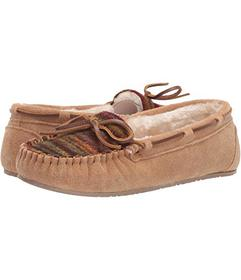 Minnetonka Gina Fabric Plug Trapper