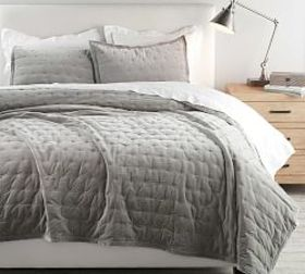 Pottery Barn Velvet Tufted Quilt & Shams - Dark Sm