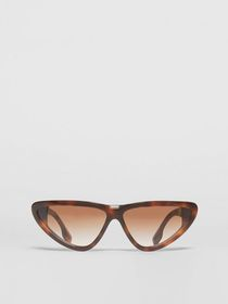 Burberry Triangular Frame Sunglasses in Tortoisesh