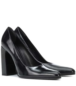 Balenciaga Leather pumps