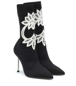 Alexander McQueen Lace-trimmed knitted ankle boots