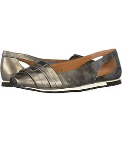 Gentle Souls by Kenneth Cole Luca Straps Flat
