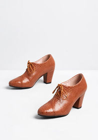 Meet You There Oxford Heel Brown