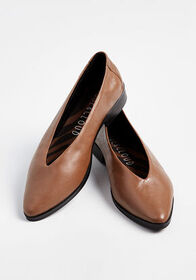 Basis Oasis Ballet Leather Flat in Brown