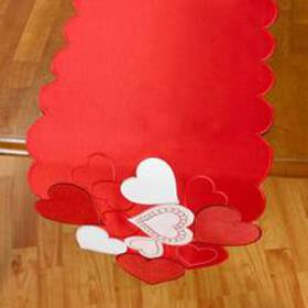 Glamour Hearts Table Runner 72in.