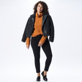 Women's Top Textures Outfit