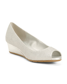 BANDOLINO Peep Toe Metallic Wedges