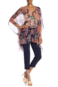 ARATTA Short Sleeve Semi-Sheer Print Poncho Top