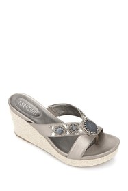KENNETH COLE Card Glam Thong Toe Esparille
