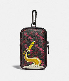 Coach hybrid pouch 10 with horse and carriage prin