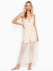 Victoria Secret Satin & Chantilly Lace Long Slip D