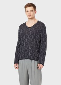 Armani Two-toned, jacquard V-neck sweater